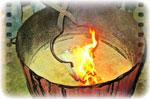 C'est l'enfumage : la terre sous cuite  est restée « ouverte » pour absorber le carbone qui s'en dégage et ainsi noircir les parties de la terre laissée brute et les réseaux de craquelures de l'émail…