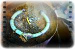 Les pièces encore fumantes et recouvertes de charbon doivent refroidir avant d'être manipulées et nettoyées.